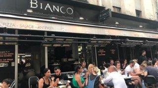 Restaurantul Bianco Paris placheaza peretii bucatariei cu MedClyn